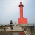 06新波止赤灯に渡堤
